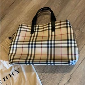 Burberry medium size tote